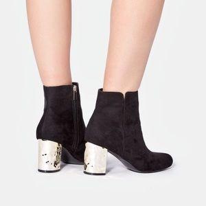 JustFab Nori gold hammered block heel bootie